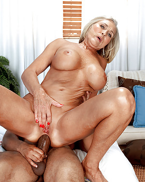 free-photo-mature-anal