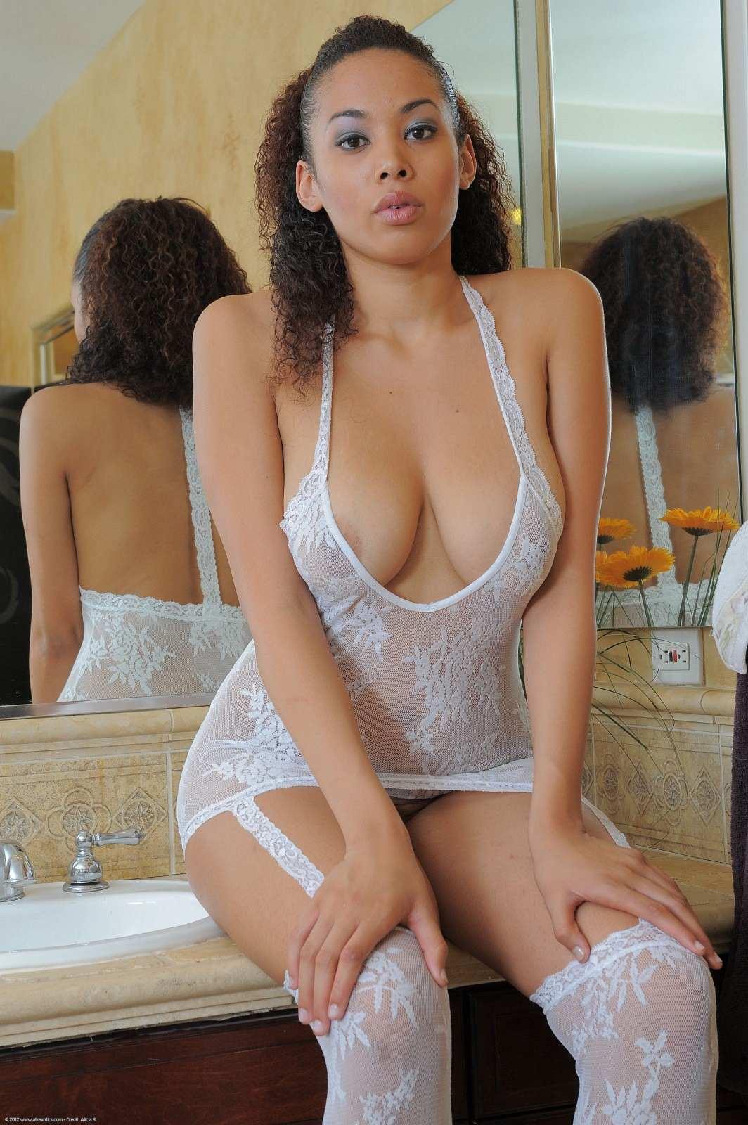 ebony women lingerie porn