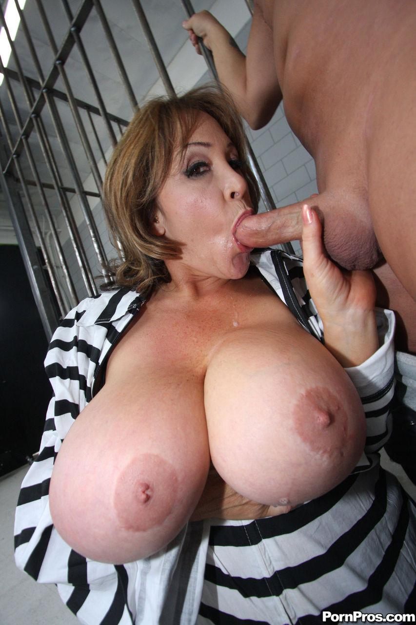 проститутки с огромными сиськами