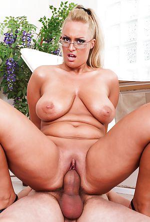 Sexy erotic lesbians having sex