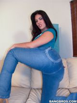 olivia o lovely takes off her tight blue jeans and shows ass